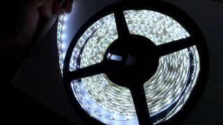 Striscia led strip auto interni casa 5 mt impermeable white bianca